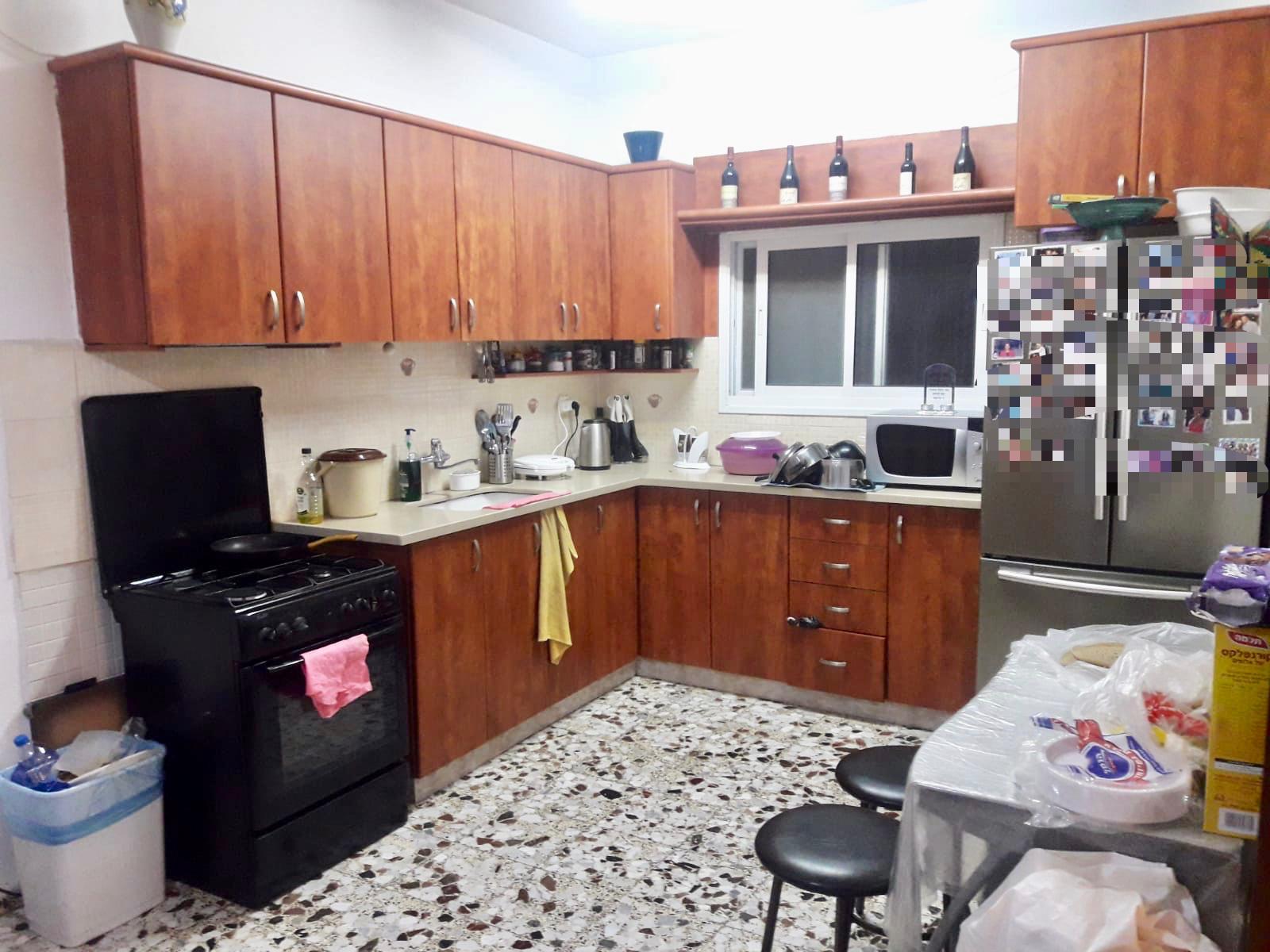 דירת 4 חדרים בלב מוצקין בבניין קוביה!