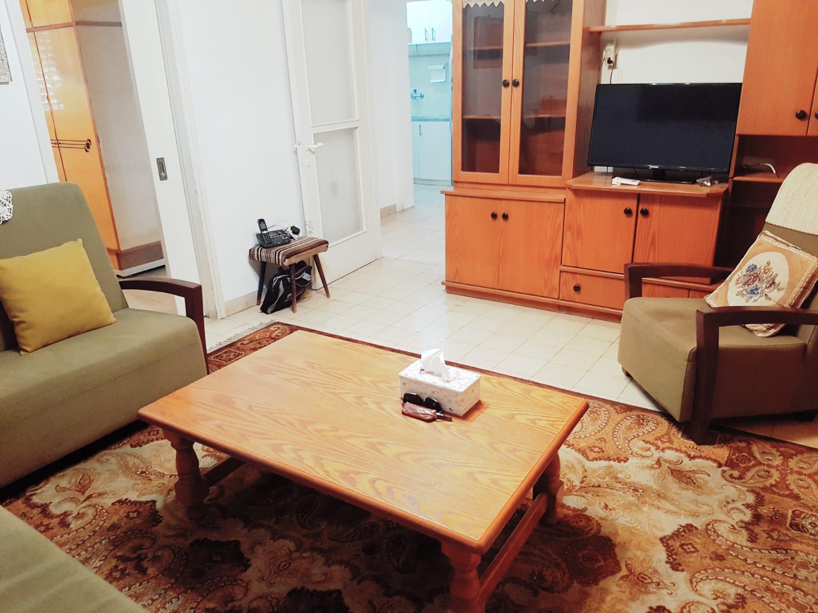דירת 3 חדרים מסודרת ושמורה בקריית ביאליק