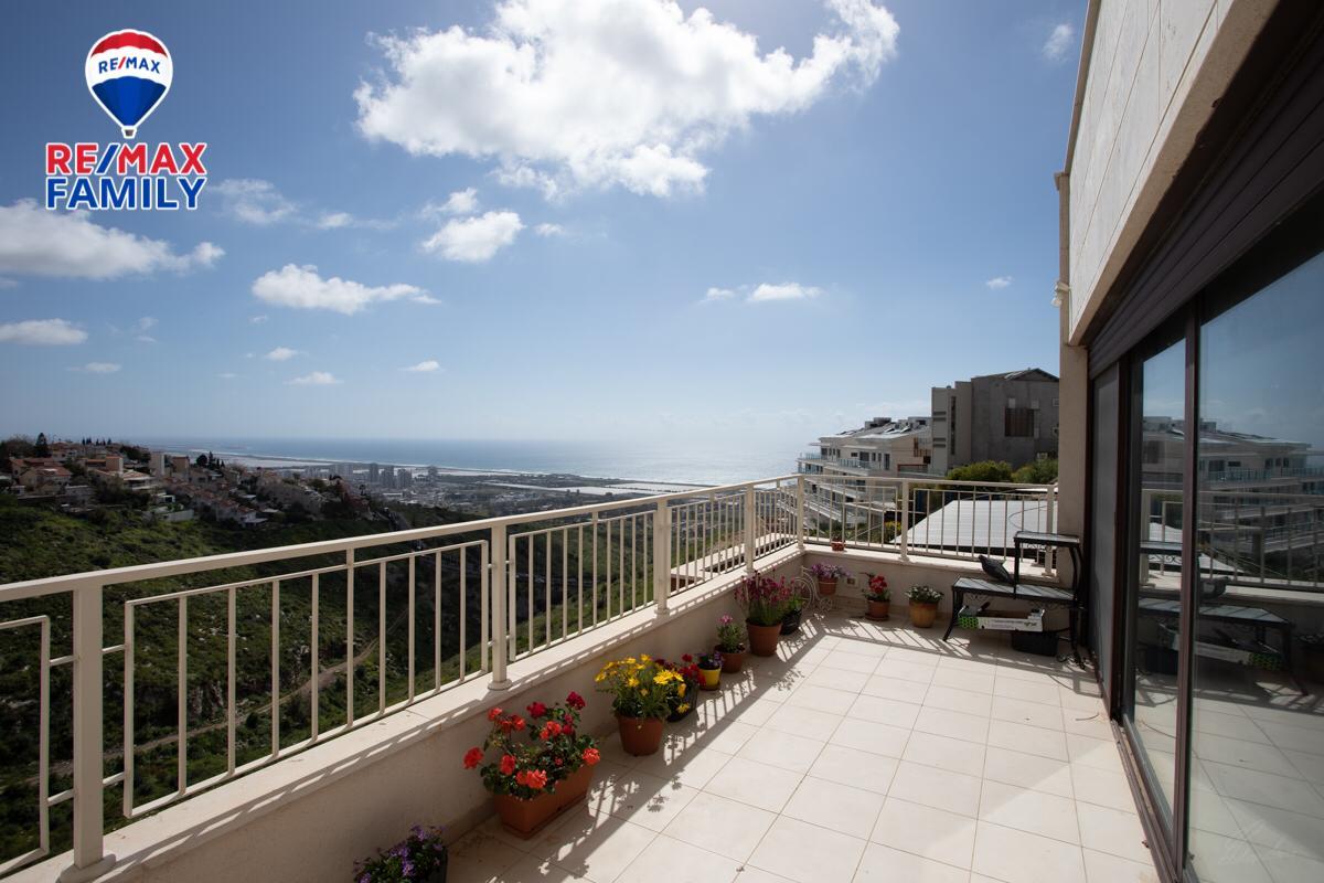 במייבלום בחיפה דירת 4 חד' למכירה