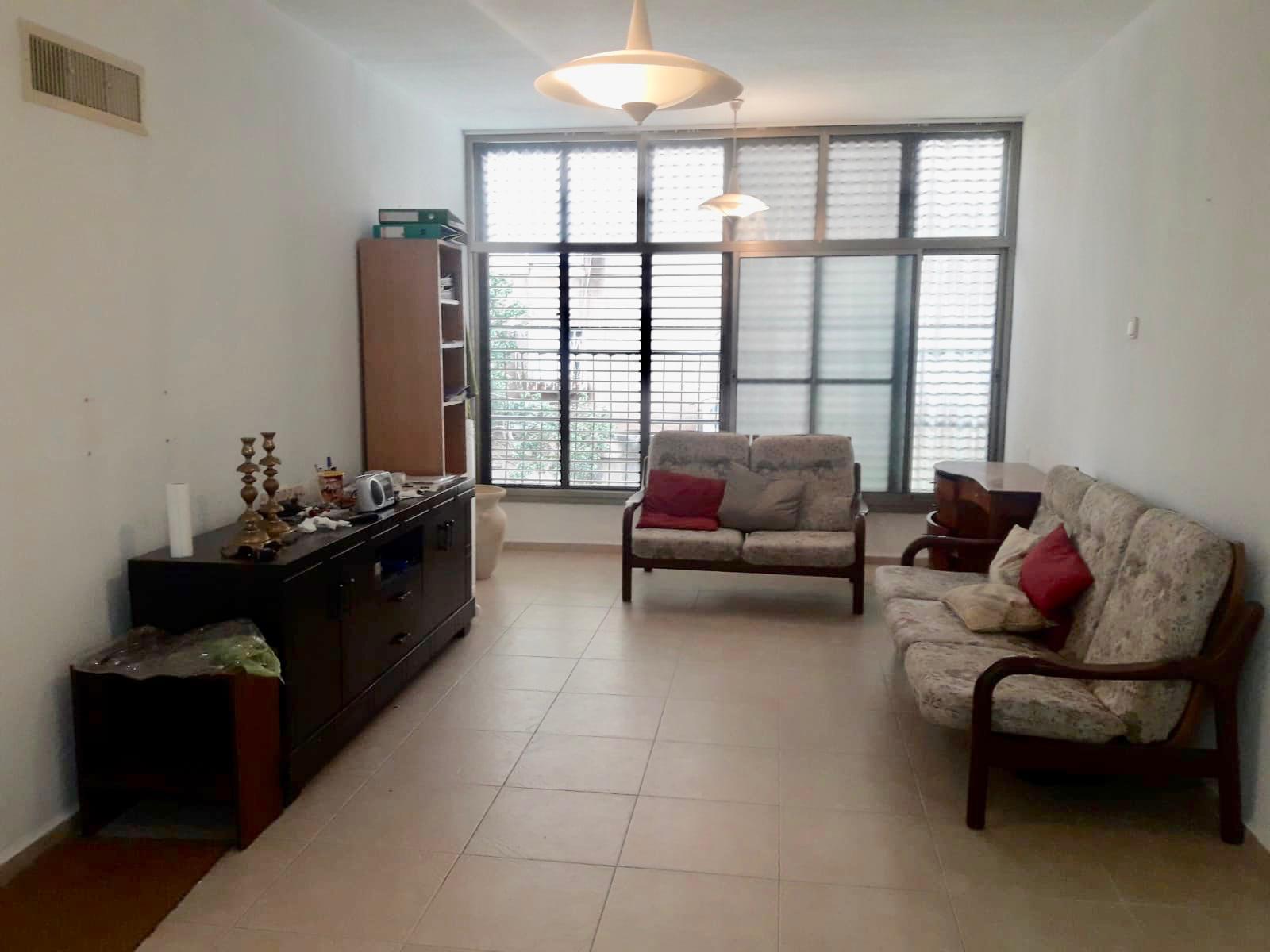 דירת 3 חדרים במיקום מרכזי בקריית מוצקין