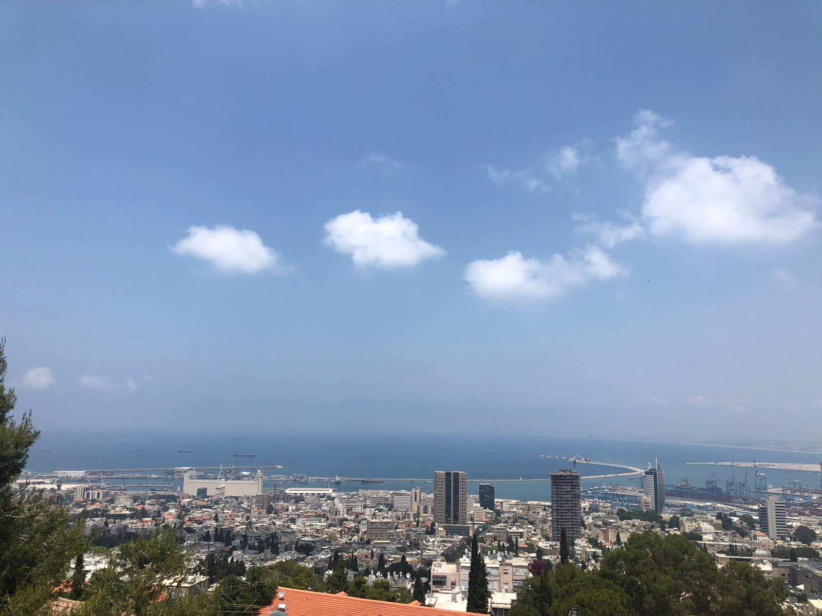 בחיפה, בחשמונאים, דירת 2.5 חד' למכירה