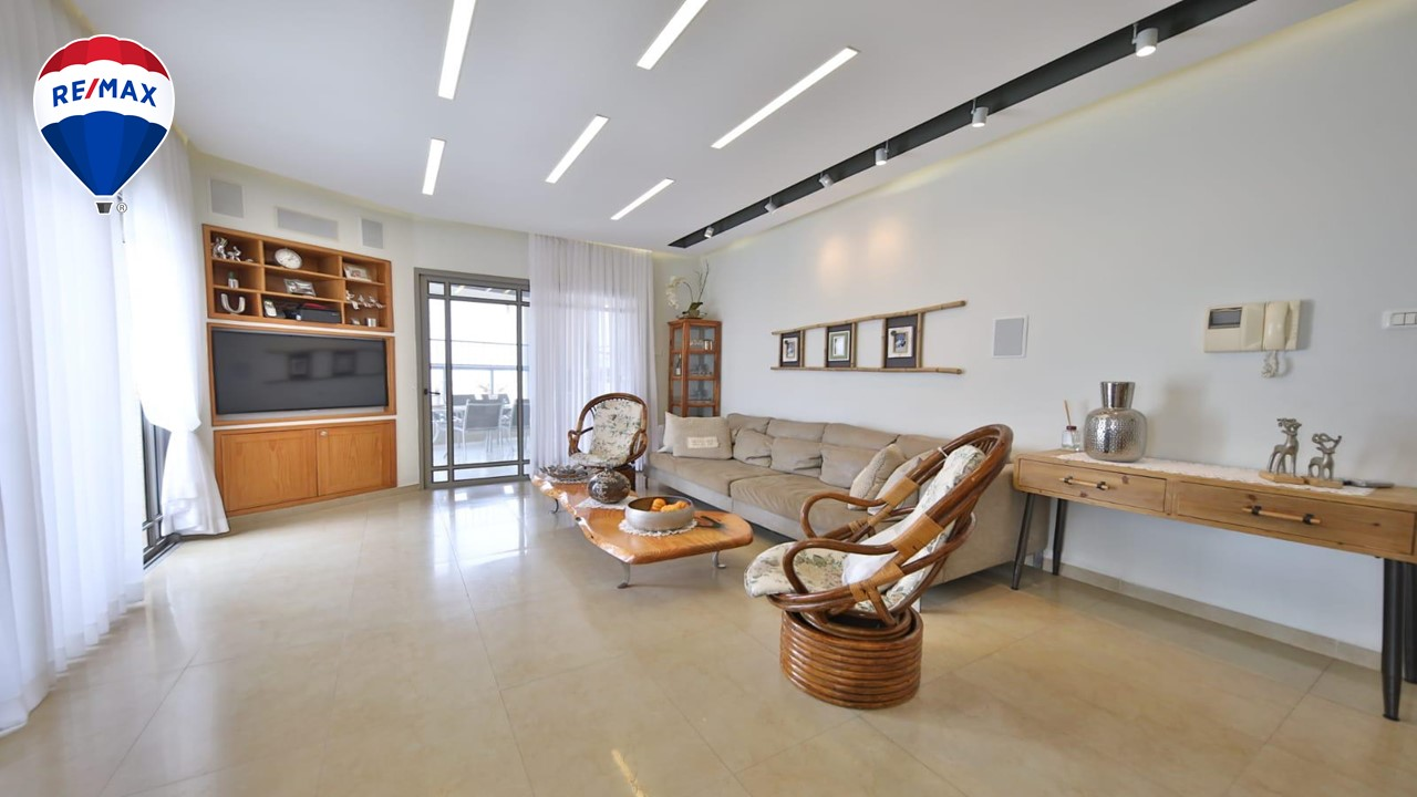 פנטהאוז 5 חדרים כולל 2 מרפסות 100 מ' בפסגות ים ק.ים