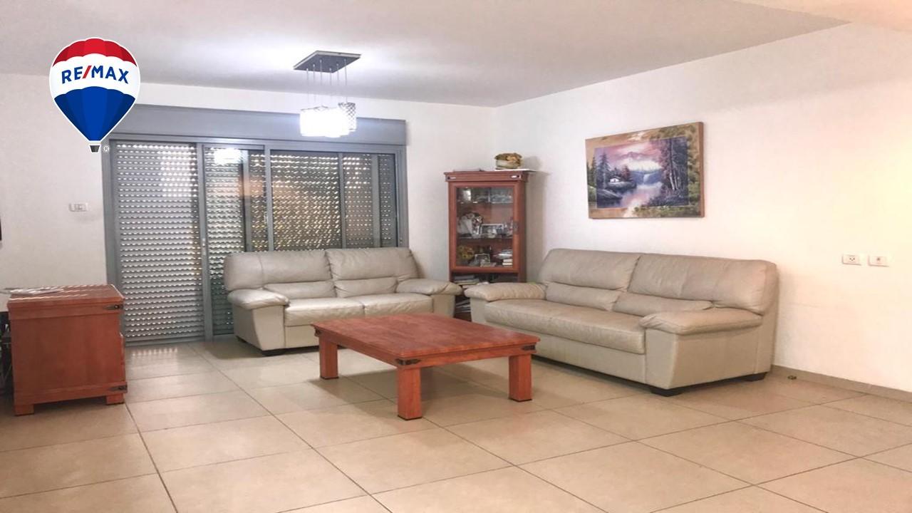 דירת 4 חדרים ברח' עוזי חיטמן משכנות האומנים ק.מוצקין