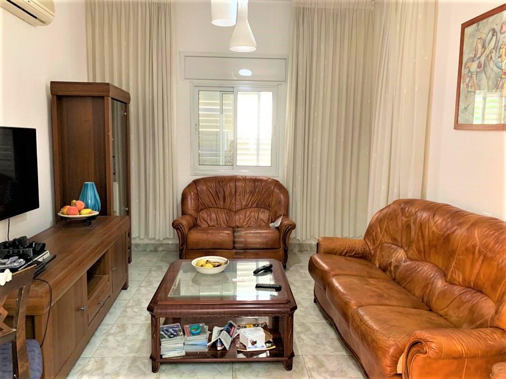 דירת קרקע 4.5 חדרים מרווחת בק.חיים מזרחית